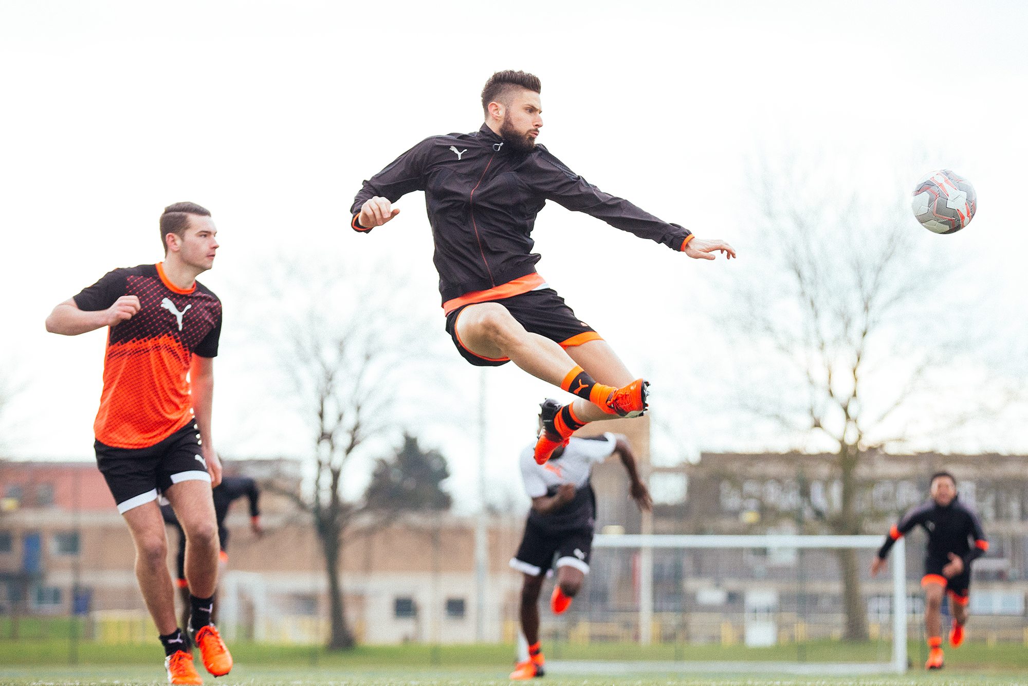 Giroud volley PUMA FOOTBALL Soccer